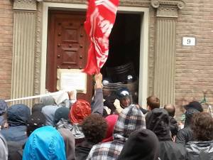 Eviction of Taksim occupied student house, in defense of real estate speculation in Bologna
