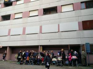 Let's open the housing struggle doors! 68 Families occupy in Bologna today